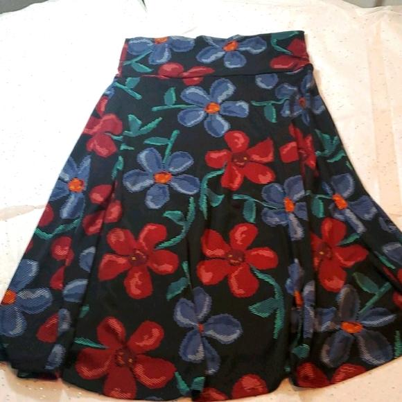 Lularoe knee high skirt